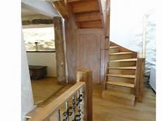 treppe ins dachgeschoss historisches ferienhaus genoveva gemach vordereifel