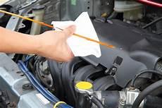 Auto ölstand Prüfen - car tune up tips
