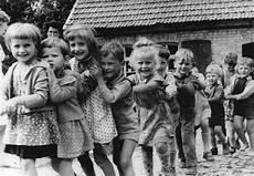 schwarz kinder file bundesarchiv bild 183 87238 0002 henningsleben