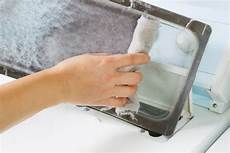 wie reinige ich meine waschmaschine flusensieb einer waschmaschine reinigen 187 wie wann