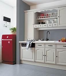 peinture carrelage cuisine cuisine grise et repeinte avec r 233 novation cuisine v33