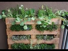mit europaletten paletten garten vertical gardening hochbeet selber bauen