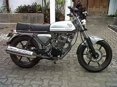 Harga Motor Cb Modifikasi by Modifikasi Motor Cb 100 Warna Hitam Arena Modifikasi