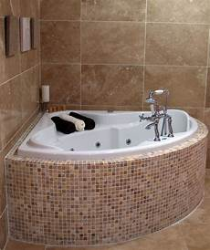 Small Bathtubs by 18 Best Images About Small Bathtubs On Soaking