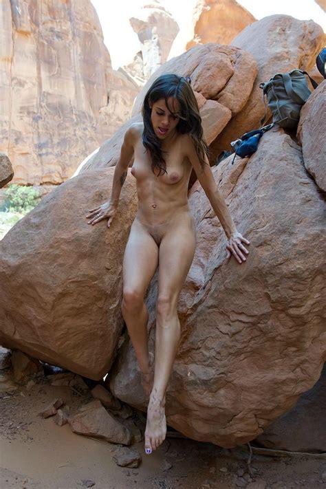 Nude Rock Girls
