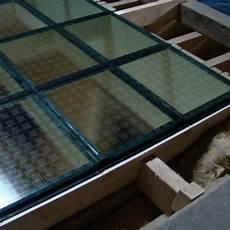 pose ou remplacement d une dalle de sol en verre dans le