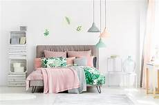 Bedroom Ideas Green And Pink by How To Decorate A Pink Bedroom