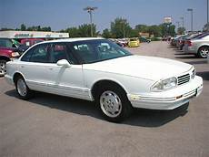 how do i learn about cars 1992 oldsmobile cutlass supreme windshield wipe control chevylover19 1992 oldsmobile delta 88 specs photos modification info at cardomain