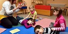 Wellness Mit Kindern - wellness im kindergarten in wei 223 enfels lernen die kinder