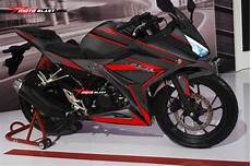 Modifikasi Striping All New Cbr150r by Modifikasi Honda All New Cbr150r Black Carbon