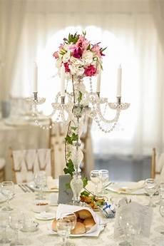 chandelier antique avec le bouquet de mariage chandelier