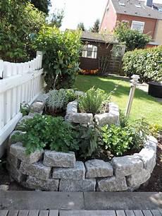 gartengestaltung mit naturstein eine kr 228 uterschnecke anlegen outdoor ideas