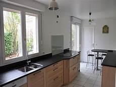 plan de travail en alu brossé plinthe cuisine hauteur 16 cm plinthe cuisine 16 cm table