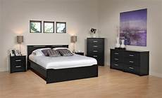 Schlafzimmer Schwarzes Bett - black bedroom furniture as an design idea