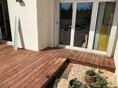 poseur terrasse bois creation terrasse bois la fare des oliviers am 233 nagement