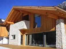 haus mit steinfassade haus steinfassade fenster architektur efh haus