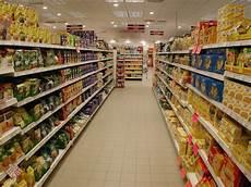 scaffali supermercato lista prodotti sottomarca di qualit 224 171 condividiamo la cultura