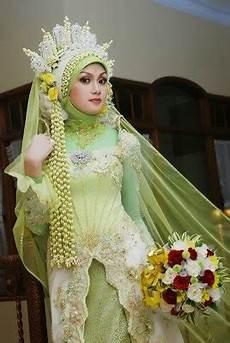 Kumpulan Foto Model Kebaya Muslim Jilbab Modern Trend