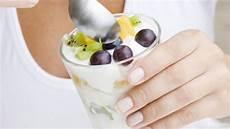 fruchtjoghurt selber machen tipps wie sie weniger zucker essen eat smarter