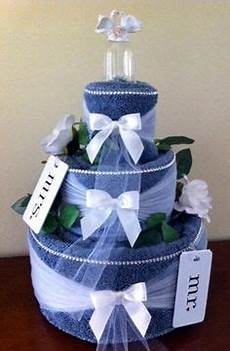 how to make a wedding towel cake from thinkwedding com
