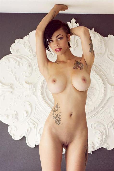 Nude Eliza Dushky