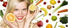 alimenti per rinforzare i capelli cosa mangiare per rinforzare i capelli feel your look