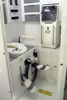 toilette ohne wasser innovation toilette ohne wasser und chemie erfunden die