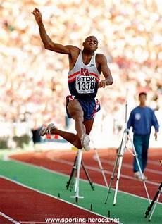 record du monde du saut en longueur site du jou 233 athl 233 tic club les sauts