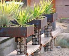 Garden Design Trends With Contemporary Planters