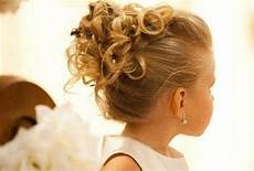 coiffure fille mariage 20 magnifiques coiffure de mariage pour petites filles