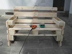 gartenmöbel aus europaletten bauanleitung holz beton bank obi diy ideen f 252 r heim garten