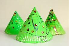 weihnachtsbasteln mit kindern 3d paper plate tree craft
