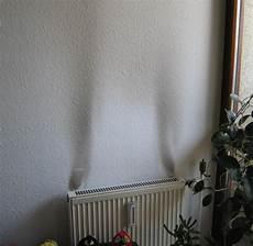 Staub In Der Wohnung - schwarzer staub in die wohnung wie er entsteht was hilft
