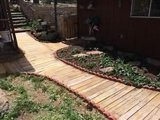 Gartenweg Aus Holz - gartenwege stilvoll anlegen und viel 196 sthetik drau 223 en