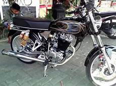 Motor Modifikasi Cb by Modifikasi Motor Cb 100 Airbrush Hitam Simpel Crom