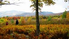 fall foliage hiking vacations in the green mountains of