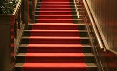 5 benefits of carpet runner for stairs homedecomastery