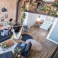 Desain Interior Ruang Santai Dengan Hammock Yang Unik