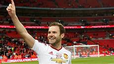 everton linked with 163 20m move for manchester united playmaker juan mata 90min