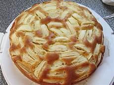apfelkuchen rührteig springform schneller saftiger apfelkuchen rezept mit bild