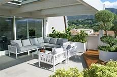 arredare terrazzo di un attico come arredare il terrazzo di un attico di design senza