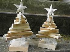 Weihnachtsdeko Aus Holz Selbst Gemacht - weihnachtsdeko nostalgischer weihnachtsbaum aus paletten