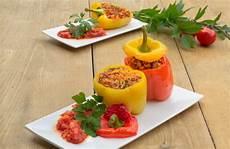 gefüllte paprika mit reis gef 252 llte paprika mit hackfleisch reis und frischen