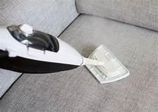 Sofa Reinigen 187 Mit Diesen Mitteln Wird Die Richtig