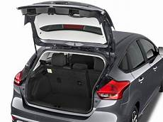 Image 2017 Ford Focus Se Hatch Trunk Size 1024 X 768