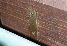 zwei holzplatten verbinden blumenkasten aus holz selbst gebaut heimwerkerqueen