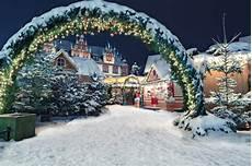 Weihnachten Wie Wird Rund Um Den Globus Gefeiert Rau