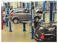 fahrzeug mit planen automobile repair shop