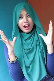 Gaya Jilbab Terpancar Jiwa Muda Til Cantik