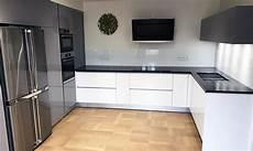 plan de travail en l le plan de cuisine en u mobilis creatio cuisiniste la